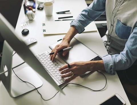 Perbandingan Mengedit di HP dan Laptop