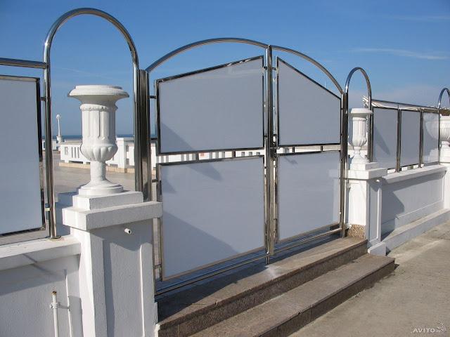 Mẫu cổng inox 2 cánh độc đáo