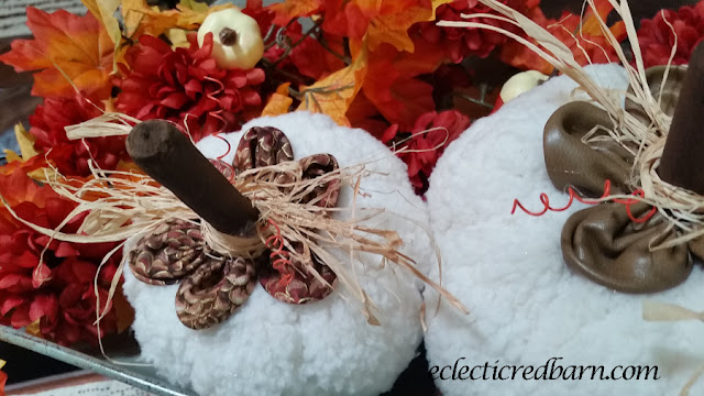 Fall Pumpkin Vignette. Share NOW. #falldecor #pumpkins #vignette #falldecorating #eclecticredbarn