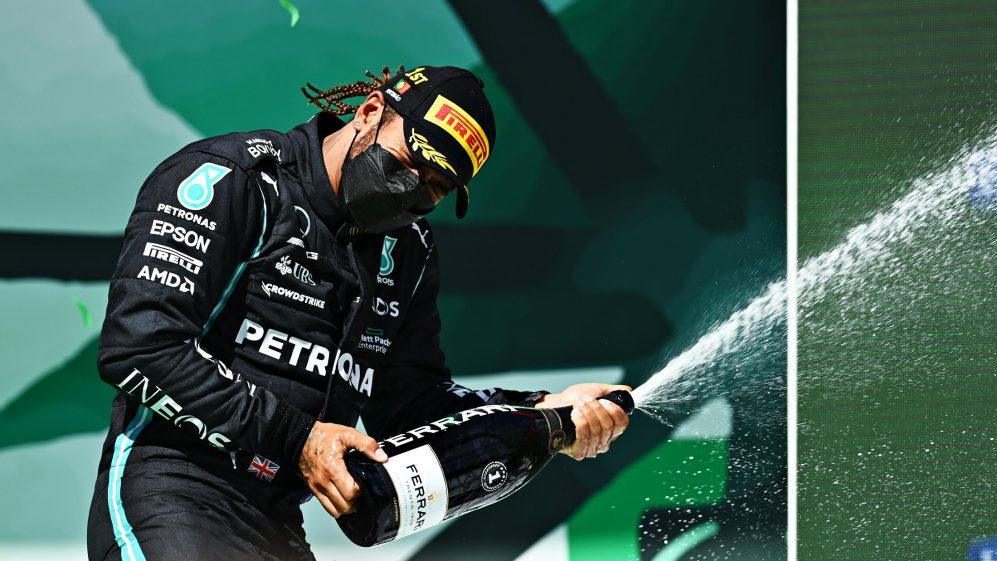Lewis Hamilton explica por que foi atacado no reinício do Safety Car - e como ele lutou para vencer em Portimão