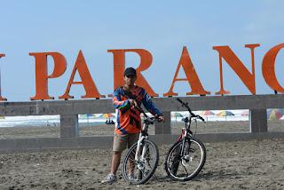 Bersepeda Sampai Pantai Parangtritis