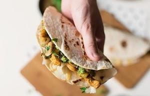Apakah Perbezaan Antara Tortillas Jagung serta Tepung?