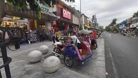 Jika Ingin Jadikan Pasar Raya Tempat Wisata Belanja yang Rapi, Tirulah Jogya