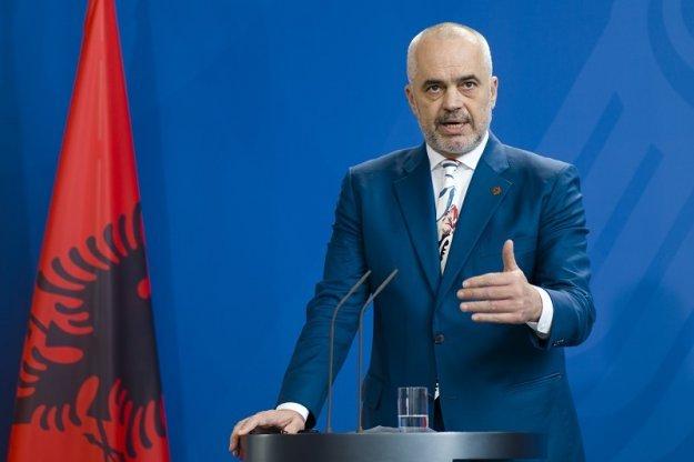 Ο Ε. Ράμα αναλαμβάνει το Υπουργείο Εξωτερικών εν μέσω πολιτικής έντασης
