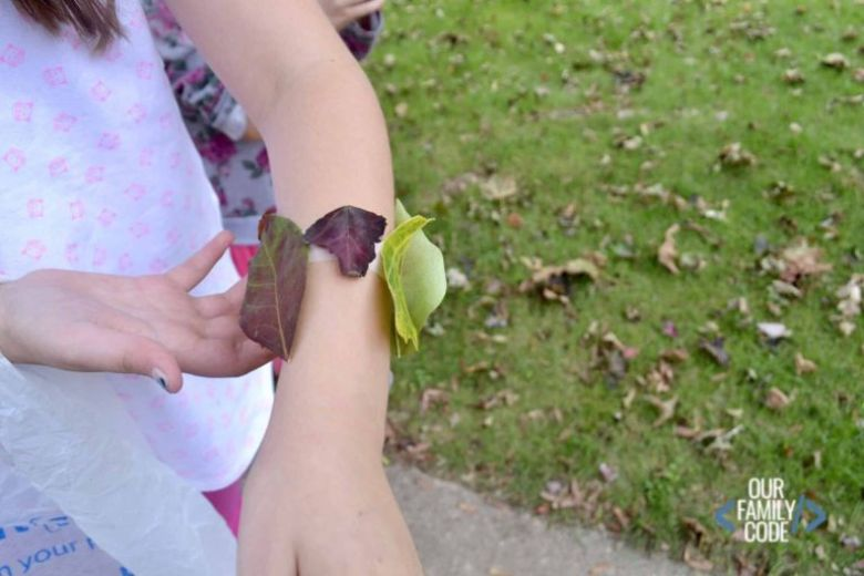 leaf bracelet nature craft for kids