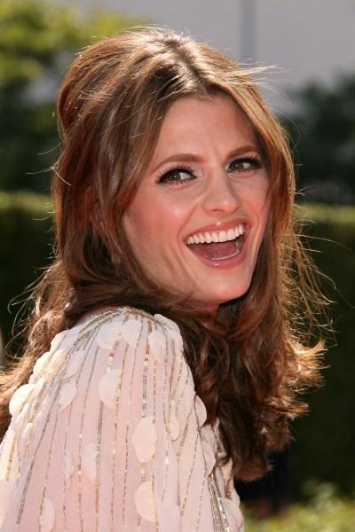 http://1.bp.blogspot.com/-lS_tsG5pbuU/TZr6gyCr1UI/AAAAAAAACD4/GVOxSlZ0FPs/s1600/stana-katic-hairstyle.jpg