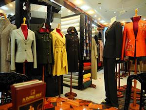 Custom clothes in Hoi An