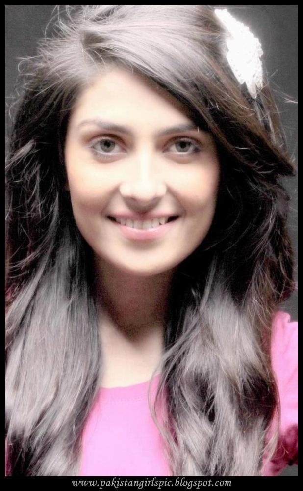 India Girls Hot Photos Aiza Khan Pakistani Actress Pics-5462