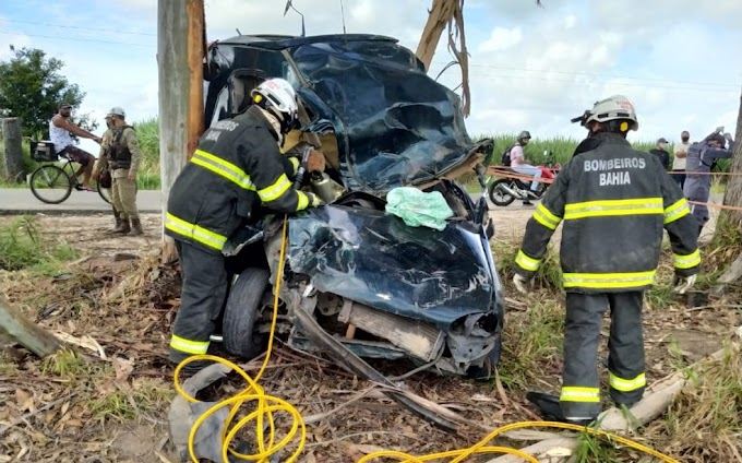 Homem morre após perder controle de veículo e bater em árvore no sul da Bahia