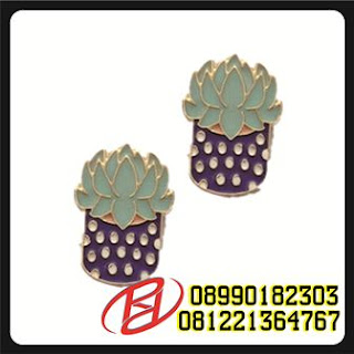 TROLL 2 ENAMEL PIN | RANMA 1/2 ENAMEL PIN | 2 INCH HARD ENAMEL PIN | ENAMEL PIN 3 CM | HALLOWEEN 3 ENAMEL PIN