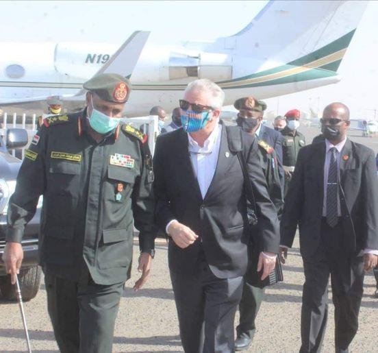 نائب قائد القيادة العسكرية الأمريكية لأفريقيا يصل السودان لبحث التعاون المشترك