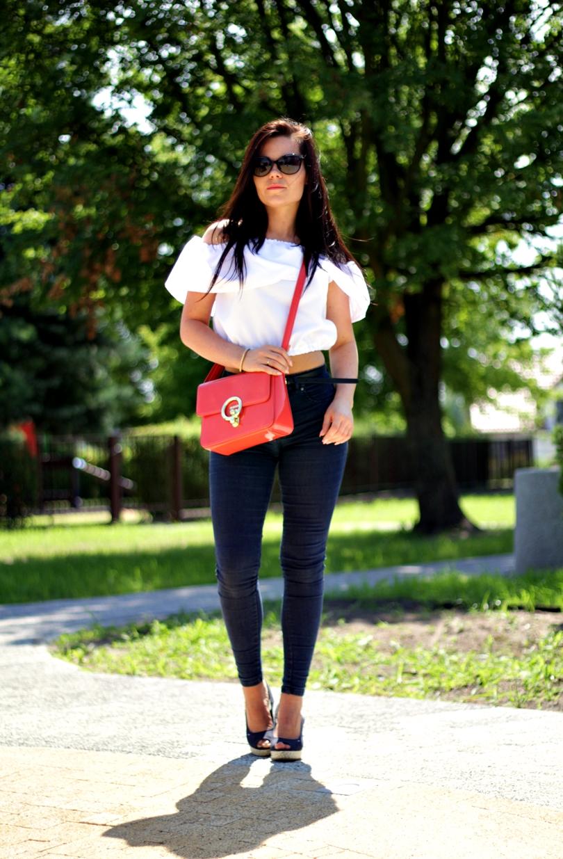 hiszpański, hiszpanka, dekolt, high waist, jeans, dopasowane, skinny, pullandbear, fashion, monnari, bag, hilfiger, emery, espadryle,
