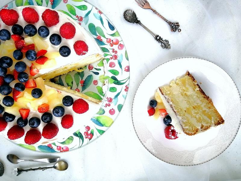 Tort ananasowo-śmietanowy