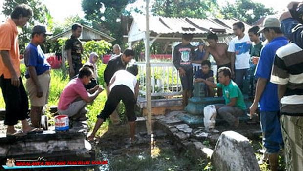 Heboh, Ada Asal Keluar dari Kuburan di Probolinggo