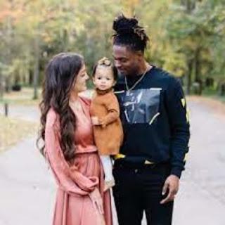 Devante Adams With His Family