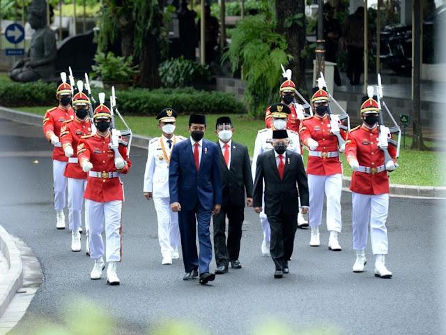 Jokowi Lantik Rusdy Mastura dan Ma'mun Amir Pimpin Sulawesi Tengah Hingga 2024.lelemuku.com.jpg