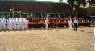 33 Lembaga Pendidikan Di Satu desa