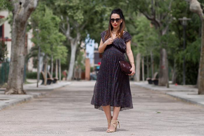 ideas para vestir estilosa en una fiesta celebracion estando embarazada