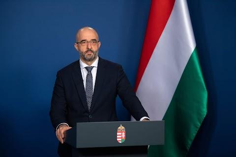 Kovács Zoltán: továbbra is a kellő időben, kellő intézkedéseket hozunk