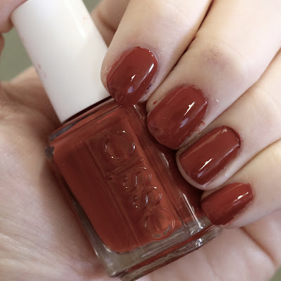 essie Playing Koi swatches