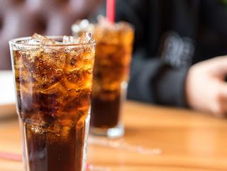 7 razões para não tomar refrigerantes todo dia