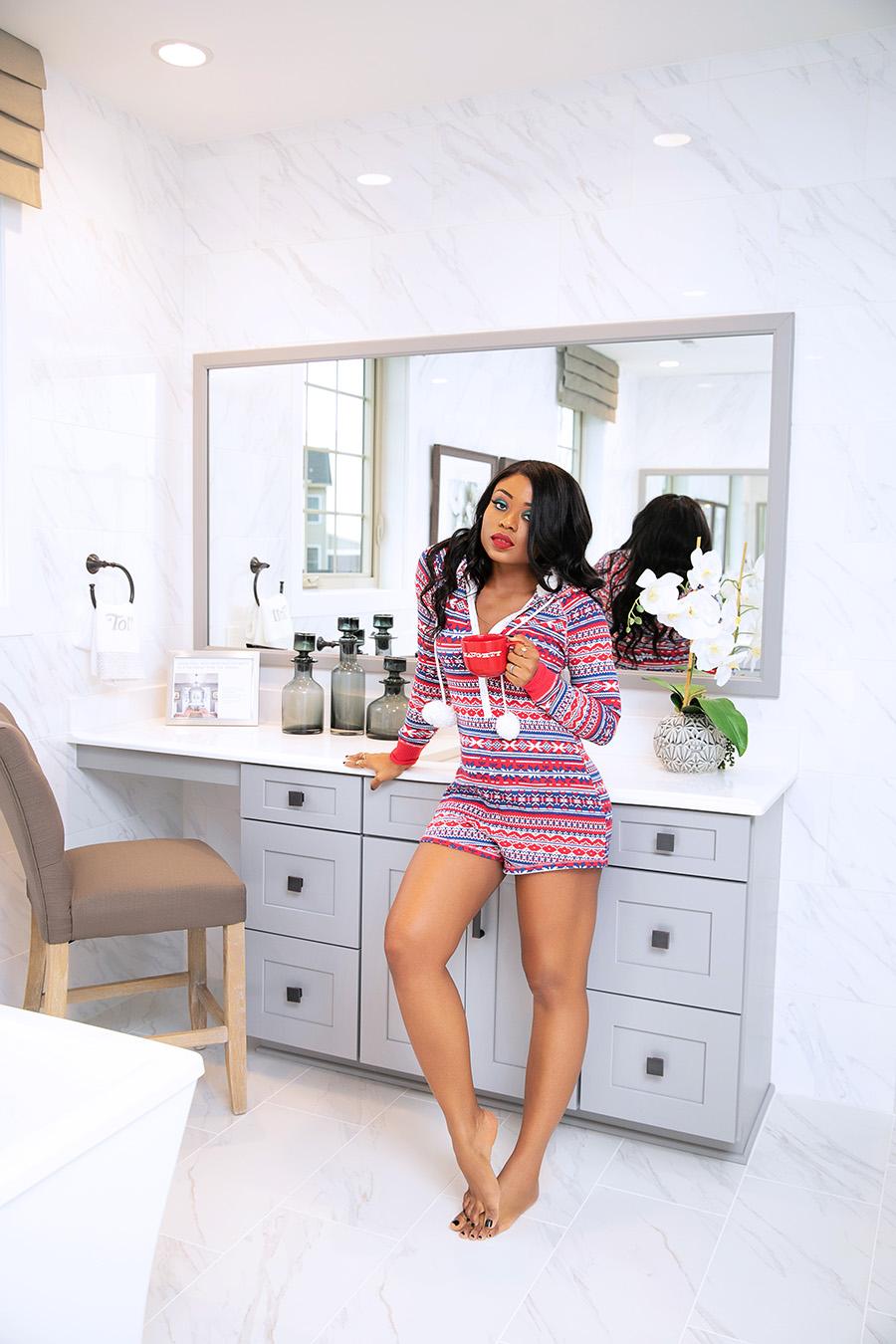 A cozy holiday Pajamas romper, www.jadore-fashion.com