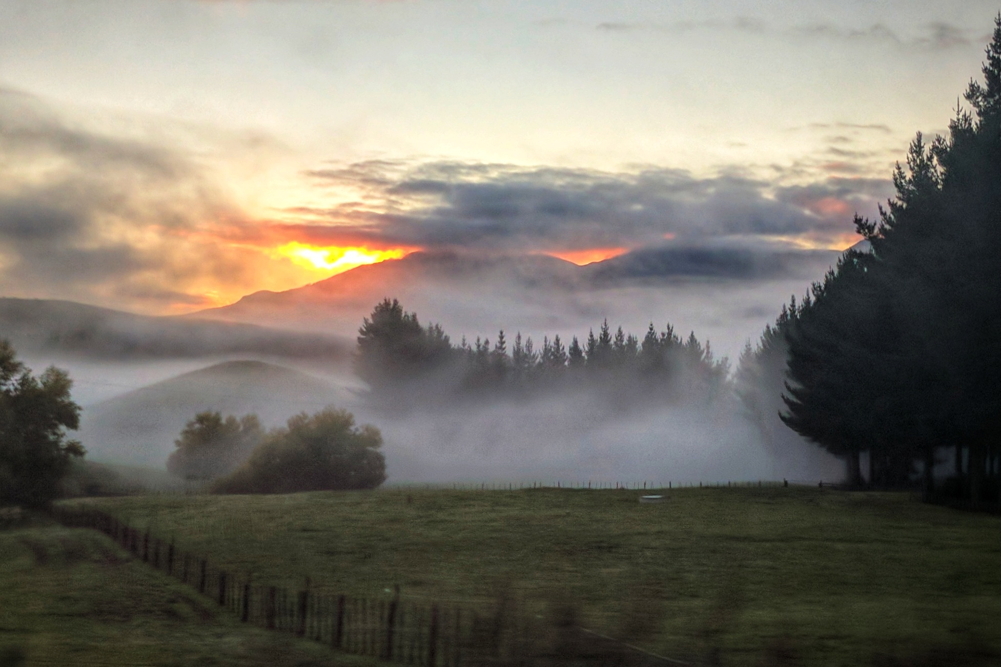 Sunrise on State Highway 5 (Aotearoa New Zealand)