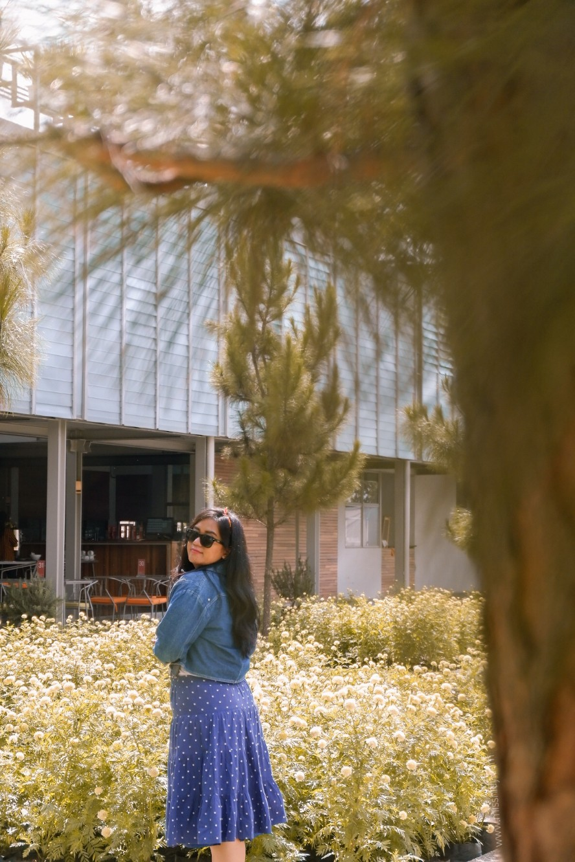 taman bunga di rumah atsiri resto tawangmangu