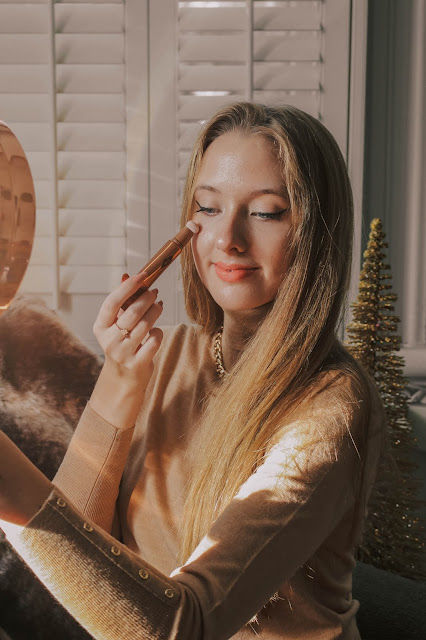 Charlotte Tilbury Highlighter Beauty Light Wand Blog Review
