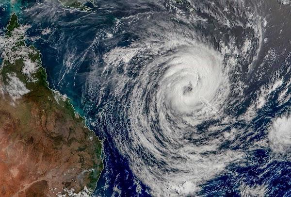 URGENTE: ciclon oma impactara australia en los próximos dias.