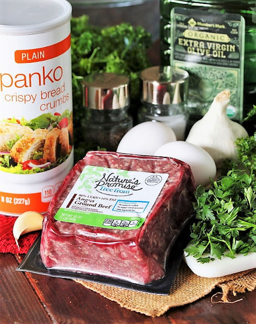 Ingredients to Make Homemade Meatballs Image