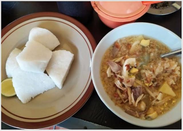 "Soto SMU ""Soto Madura Uasli"" Kepp;10 Tempat Kuliner Populer di Madura;"