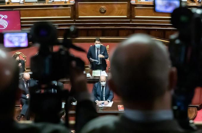 Conte incassa la fiducia al Senato con 156 voti favorevoli, 140 i no