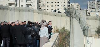 مستشار الرئيس الفلسطيني يشدد على أهمية مواقف مجالس الكنائس بالتحذير من خطورة الضم