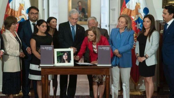 Piñera responsabiliza a las mujeres de los abusos que sufren