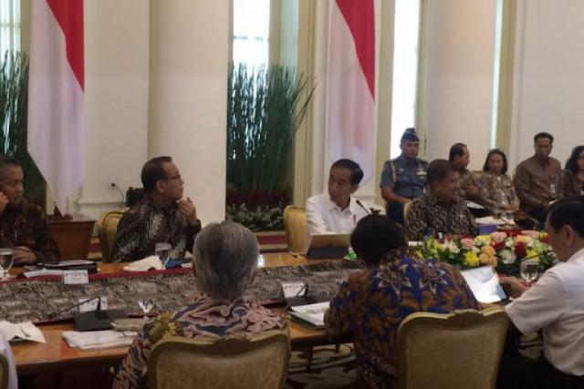Jokowi Minta Jajarannya Serius Hadapi Pelemahan Rupiah