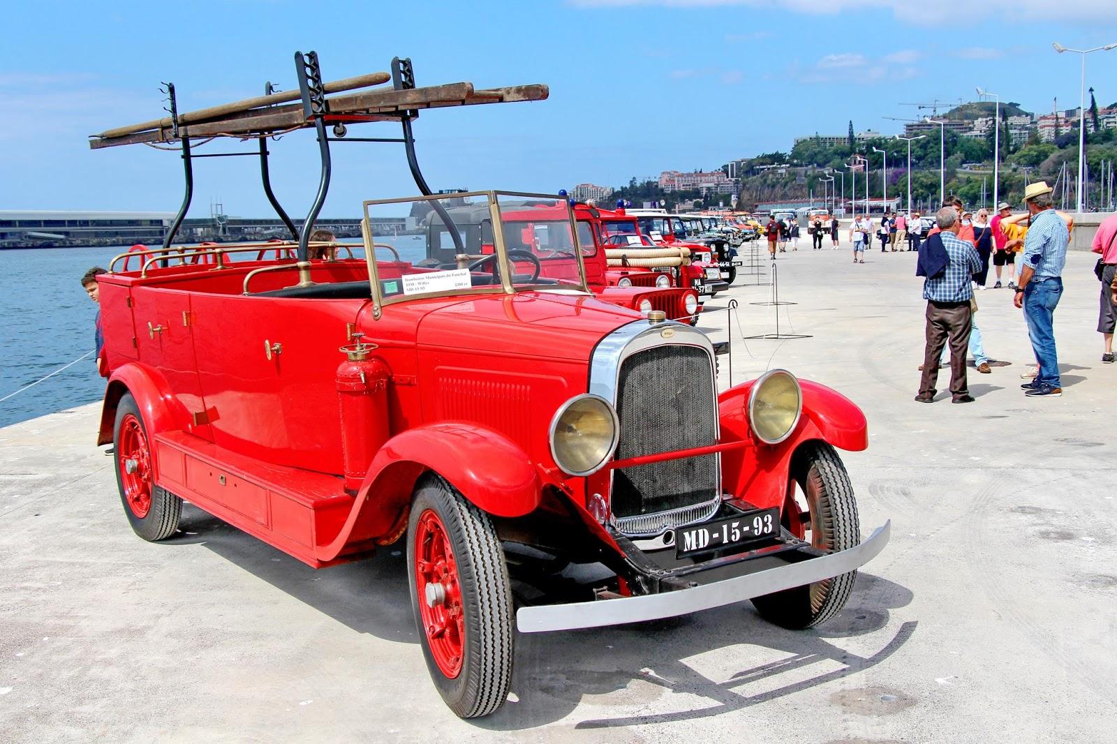 carros de bombeiros de outros tempos