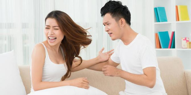 Istri di Gunduli Sang Suami Karena Menemukan Rambut Saat Sarapan