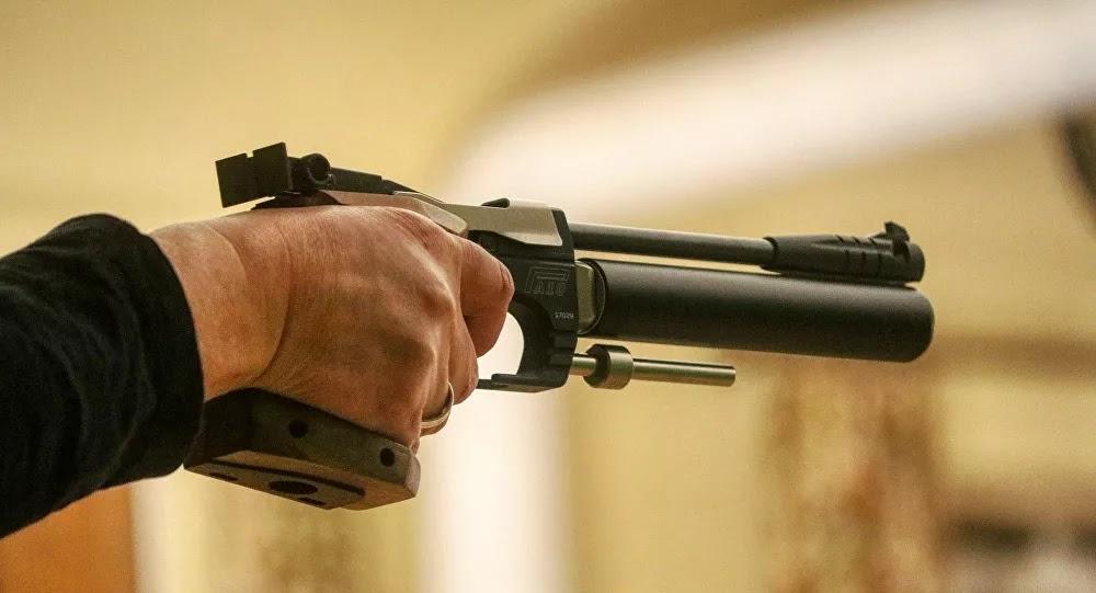 Bretagne : Deux voitures se percutent après une course-poursuite, un homme sort une arme
