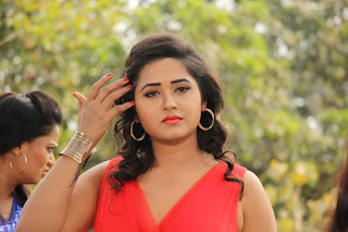 Kajal Raghwani Biography, Height, Weight, Age, Wiki, Husband, Marriage, News, Personal Profile, Movies List, Upcoming Films & More