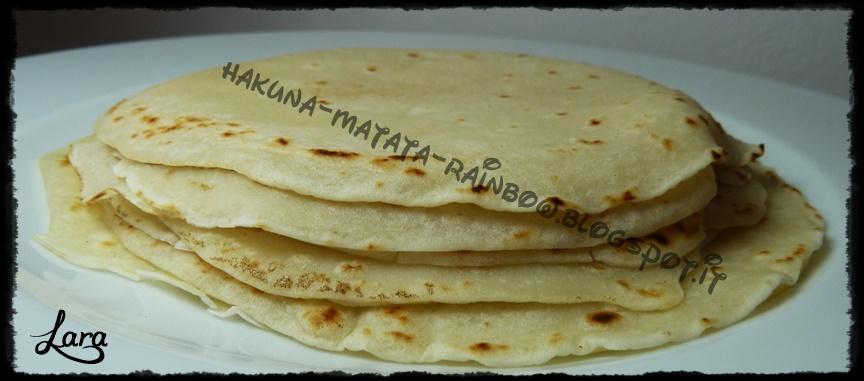 http://cucinaconlara.blogspot.it/2015/03/crepes-senza-latte-e-senza-uova.html