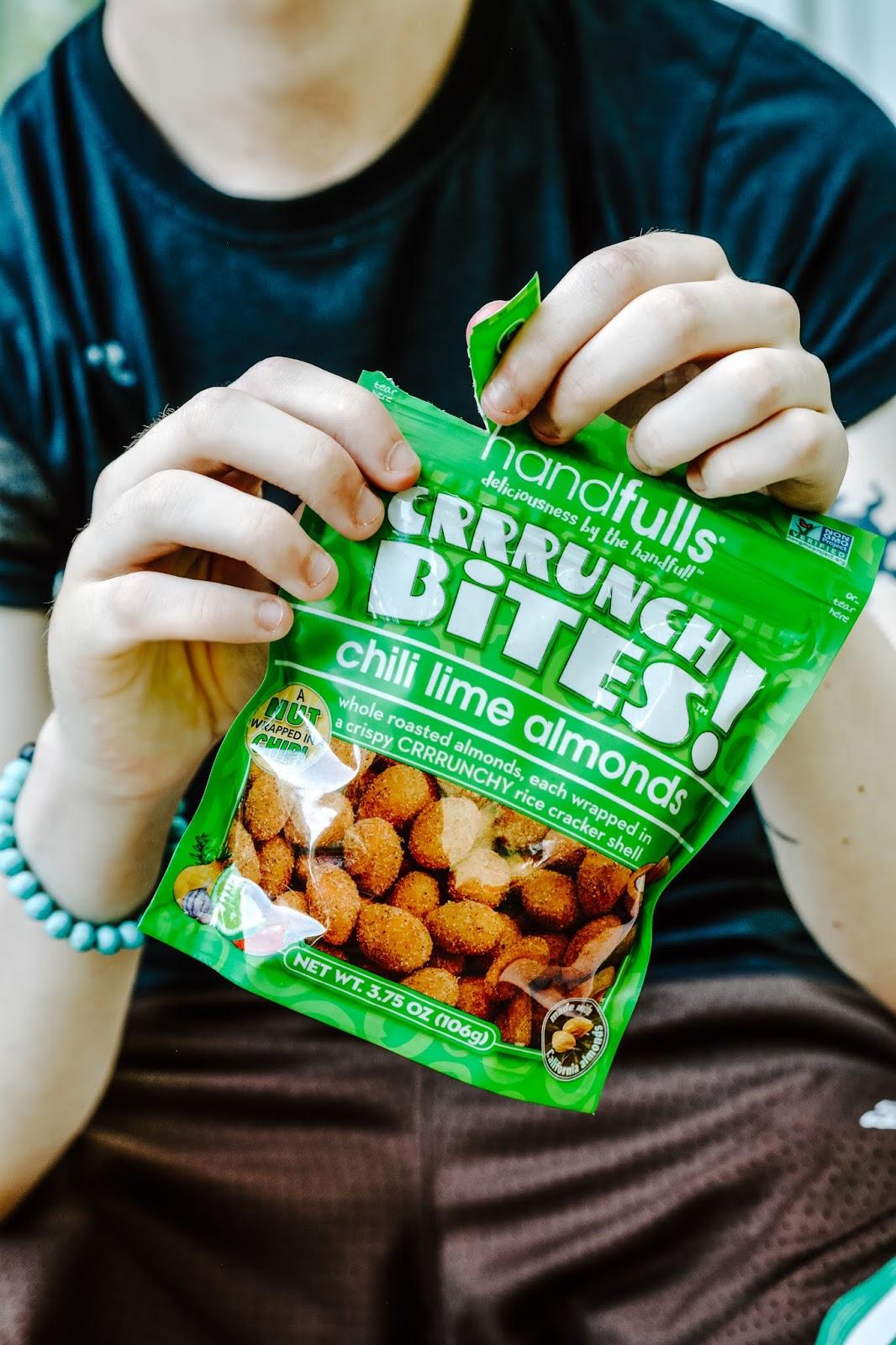 Handfulls Almonds