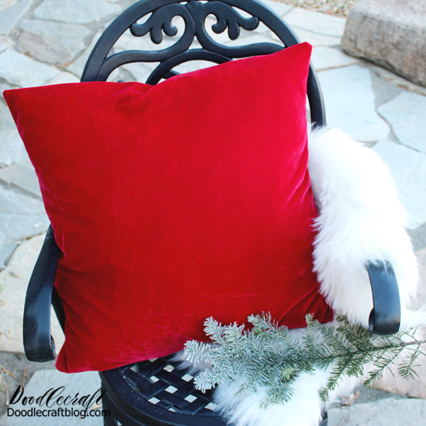How to Make an Envelope Pillow Case! If there is anything that just sings of the Winter holidays, it's velvet! That rich, creamy fabric is soft and luxurious. Unfortunately velvet is super pricy by the yard...but I have a secret to get it much cheaper!   Make a throw pillow worthy of White Christmas made of velvet and only 4 straight stitches of sewing.