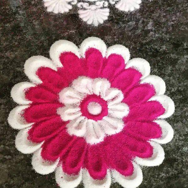 Big_pink_white_flowers_rangoli_design