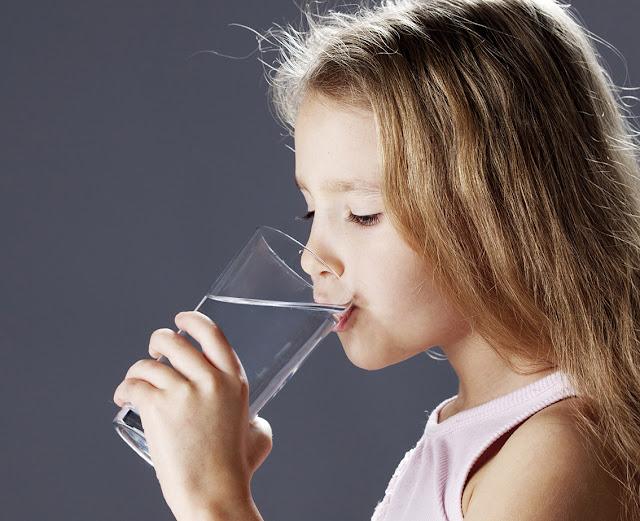 Efek Minum Air Putih Secara Berlebihan