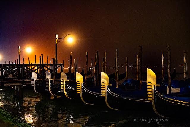 Photos de Venise de nuit, sous la brume  Laure Jacquemin