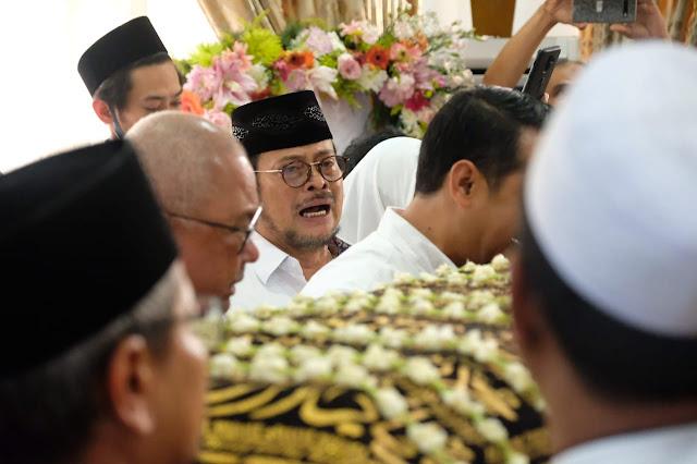 Jenazah Bupati Gowa dua periode 2005-2015, H.Ichsan Yasin Limpo