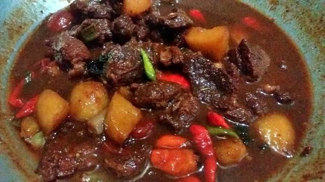 Resep semur daging dan kentang ala rumah makan ciwidey