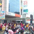 Masyarakat Berjubel, Bank BNI Binjai Abaikan Prokes Covid-19