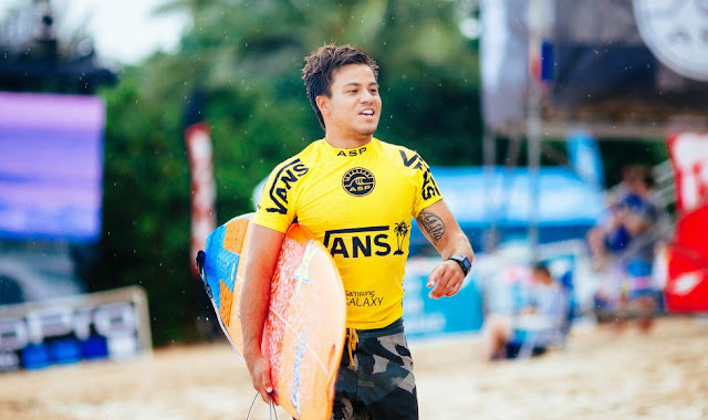 27 Vans World Cup of Sufing 2014 Keanu Asing Foto ASP